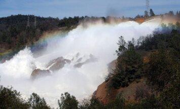 Kalifornijā atceļ evakuāciju Oroviles dambja apkārtnē