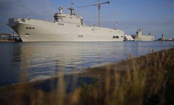 Francija pauž pārliecību, ka tuvāko nedēļu laikā izdosies atrast pircējus 'Mistral' kuģiem