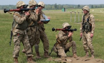 Sadursmēs Austrumukrainā krituši septiņi Ukrainas karavīri