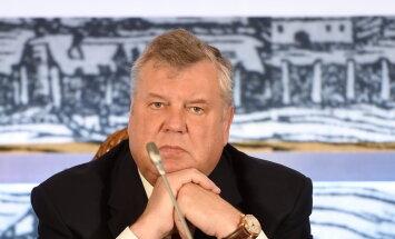 Урбанович: Кучинскис не справляется с обязанностями премьера, ему надо уйти