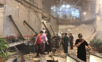 Džakartā virs cilvēkiem iegruvuši biržas griesti