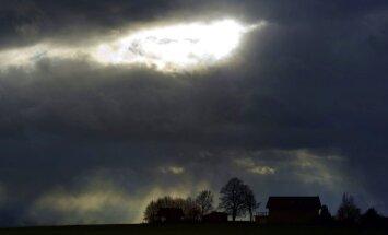 Negaisa postījumi Zemgalē un Vidzemē: Elektroapgāde traucēta 4300 klientiem