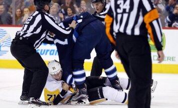 Winnipeg Jets Blake Wheeler fights Pittsburgh Penguins Evgeni Malkin