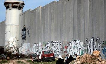 Ebreju māju būvēšana Palestīnā nenāk par labu mieram, secinājis Tramps
