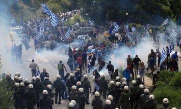 Foto: Grieķijā protestē pret Maķedonijas jauno nosaukumu