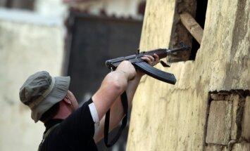 Libānā armijas un sunnītu sadursmēs nogalināti 16 karavīri