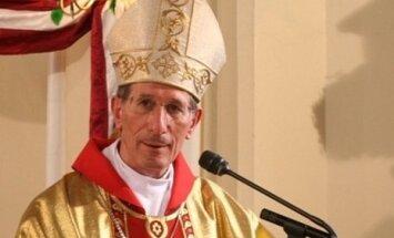 Pāvesta sūtnis Latvijā Ziemassvētkos vēl 'nomainīt apģērbu'