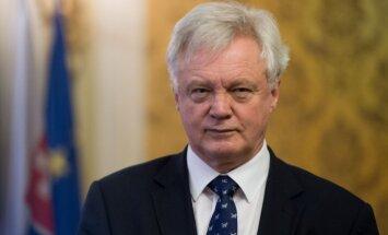 """В Лондоне назвали """"глупой"""" критику Еврокомиссии по Brexit"""