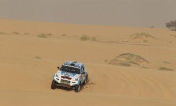 Saukāna ekipāžai sestā vieta 'Africa Eco Race' rallijreida priekšpēdējā posmā
