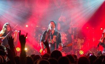 Foto: Klubā 'Melnā piektdiena' aizvadīts Šveices grupas 'Eluveitie' koncerts
