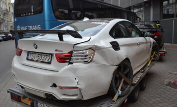 Biķernieku trasē 60 superauto trīs dienu plezīrā avarējis 'BMW M4'