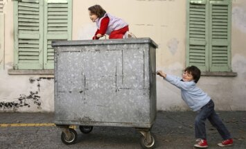 'Delfi Aculiecinieks' aicina: pastāsti par bērnam bīstamām vietām savā pilsētā vai pagastā!