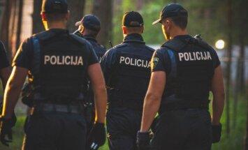Turpina augt vakanču skaits policijā, vēsta raidījums