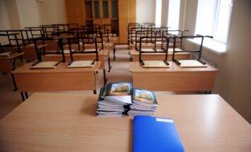 Astoņās pašvaldībās pirms jaunā mācību gada sākuma aizvien trūkst pedagogu