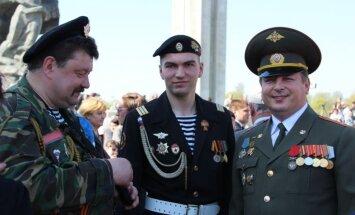 Saistībā ar 9. maija pasākumiem jau no svētdienas Rīgā gaidāmi satiksmes ierobežojumi