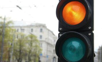 В Риге за 1,2 млн евро построят новые светофоры