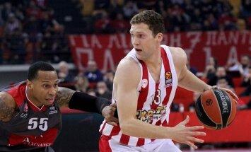 Strēlniekam astoņi punkti; 'Olympiakos' dramatiskā spēlē zaudē 'Žalgiris'