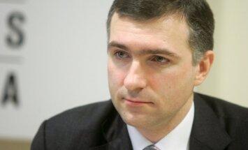 Saeima nebalso par Brazovska pārvēlēšanu FKTK; prasa skaidrot pārskaitījumus pēc Krājbankas pārņemšanas