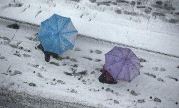 Dienā daudzviet līs; valsts austrumos iespējams arī slapjš sniegs
