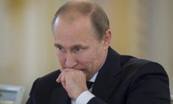 Putins varētu upurēt Donbasa kaujiniekus, lai saglabātu Krimu, pieļauj ASV laikraksts