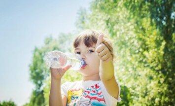 No liekām kalorijām jāizvairās – ūdens nozīme bērna organismā