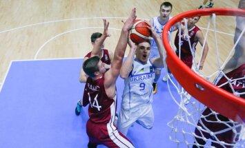 Latvijas U-20 izlases basketbolisti izsēj 23 punktu pārsvaru un zaudē Ukrainai