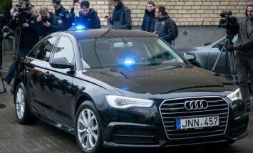 Foto: Lietuvā policija ātrumpārkāpējus ķers ar melniem 'Audi A6 quattro'