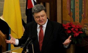 Porošenko lūdz Krieviju izvest karavīrus un slēgt robežu