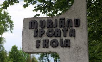Koalīcijas partijām pagaidām nav vienprātības, kā pārdalīt Murjāņu Sporta ģimnāzijai piešķirtos līdzekļus