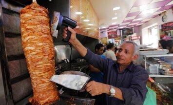 'Delfi' no Strasbūras: EP tomēr nepiemēro veto fosfātu piedevām kebabos