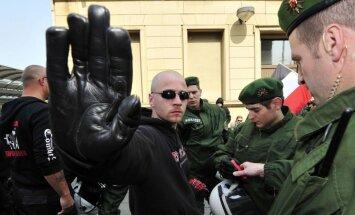 Brandenburga aizliedz izraidīt galēji labējo noziegumu upurus