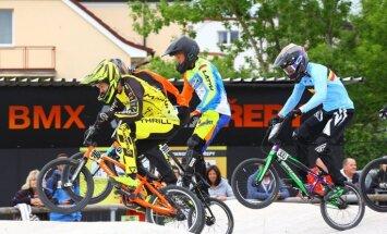 Strazdiņš un Pētersona izcīna bronzu BMX Eiropas kausa posmā