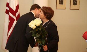 Koalīcija neiebilst pret Dombrovska virzīšanu eirokomisāra amatam