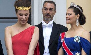 Grāfienes meitas krūtsgali aizēno karalienes lielo jubileju