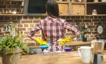 Taukaini nosēdumi virtuvē no gāzes plīts – kā tos viegli satīrīt