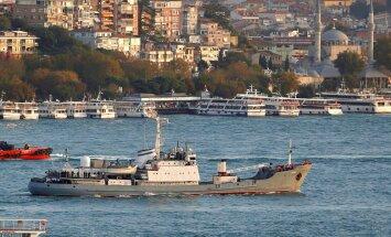 Melnajā jūrā pēc sadursmes ar citu kuģi nogrimst Krievijas izlūkkuģis 'Liman'