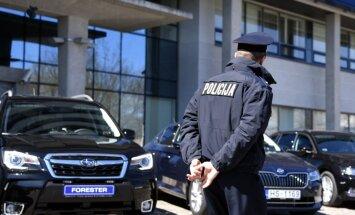 Policija tomēr atzīst 'pamatīgas šaubas', ka sodītais autovadītājs 93 km/h vietā braucis ar 151 km/h