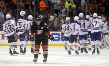 'Oilers' hokejistiem otrā uzvaru Rietumu konferences pusfinālā, 'Blues' panāk izlīdzinājumu