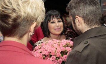 Foto: Ar krāšņu koncertu noslēdzies desmitais festivāls 'Summertime – aicina Inese Galante'