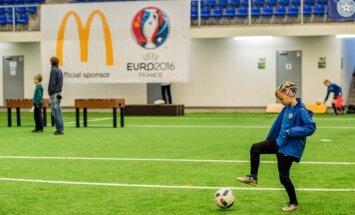 Kā sagatavoties bērna pirmajam futbola treniņam