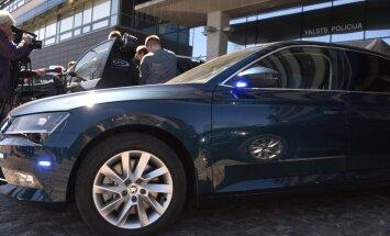 Policisti ar netrafarēto auto Jūrmalā noķer divus ātrumpārkāpējus