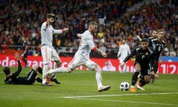 Spānijas futbolisti pārbaudes spēlē nepažēlo Argentīnu