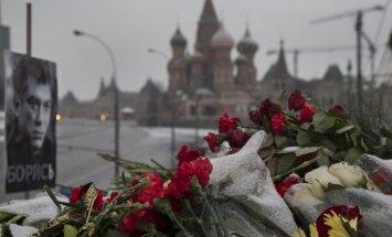 Opozicionārs: Izmeklētājiem Ņemcova slepkavības lietā ir jānopratina Putins