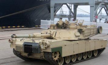 Reportāža: Rīgā ierodas ASV tanki un bruņumašīnas