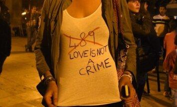 Divām pusaudzēm Marokā draud cietumsods par skūpstīšanos