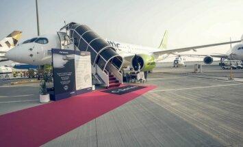 ФОТО: airBaltic на Дубайском авиашоу представил самолет CS300