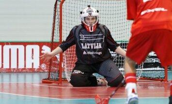 Latvijas florbola izlase pārbaudes spēlē pieveic Šveices klubu