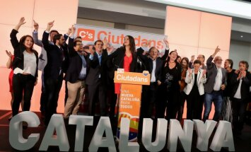 Katalonijas neatkarības atbalstītāji izcīnījuši vairākumu vietu parlamentā