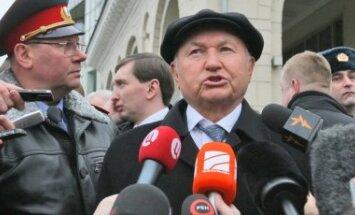 Lužkovs sola atbalstu Mihalkova iecerei radīt krievu 'McDonald's'