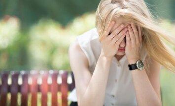 Tava pusaudža kailfoto nonācis vienaudžu rokās: kā rīkoties
